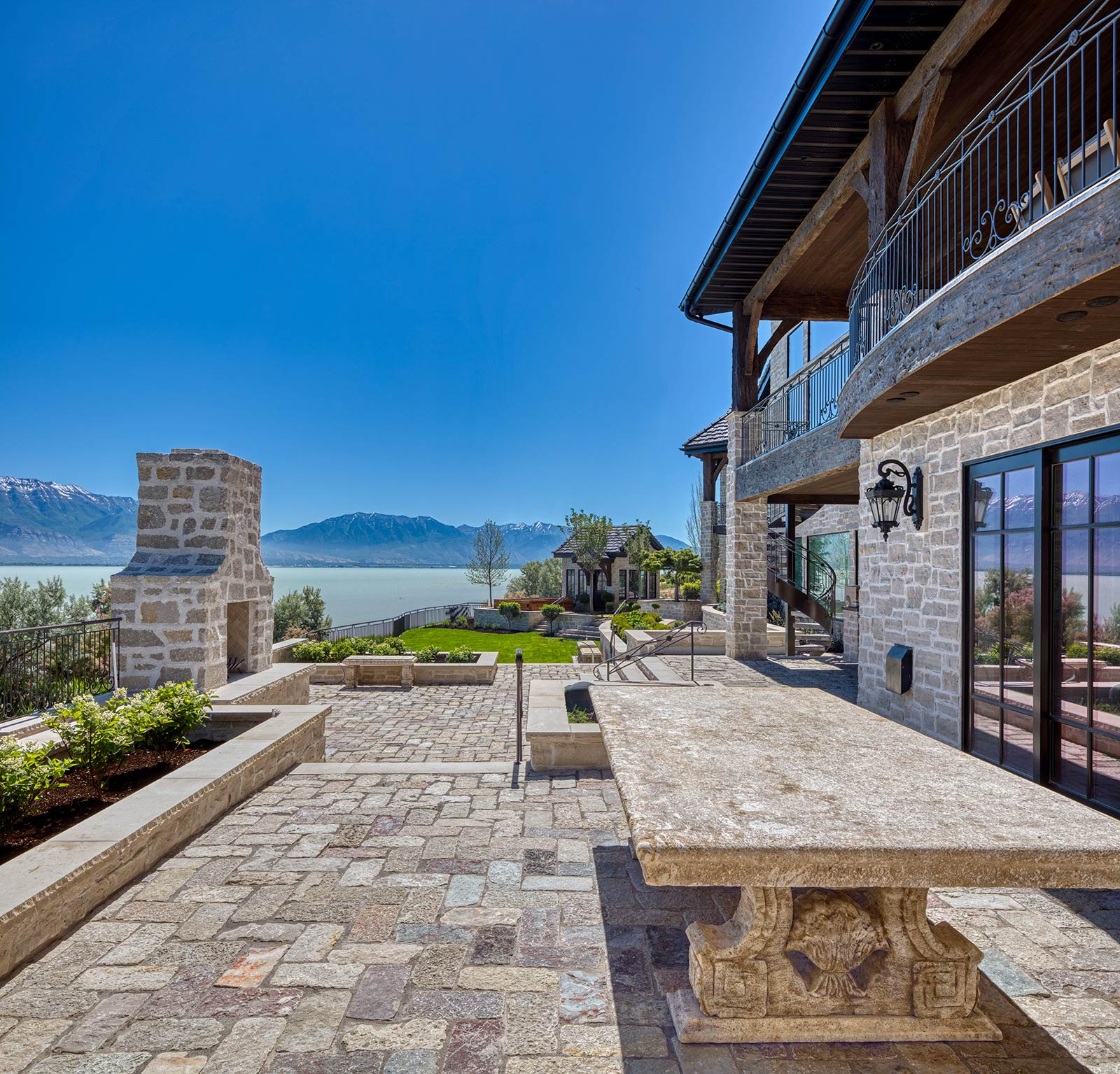 mch-lakeview-estate-exteriors-1